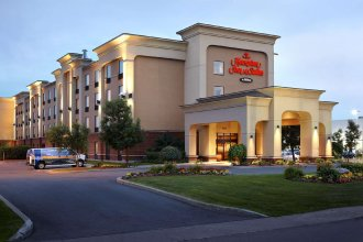 Hampton Inn & Suites by Hilton Montreal-Dorval