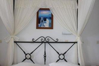 Hotel Thira