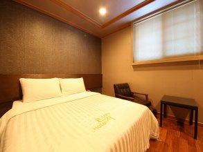Nonhyeon Cozy Hotel