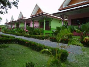 Pinky Bungalow Resort