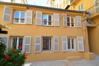 Charming duplex apartment 4 persons in Port of Nice district
