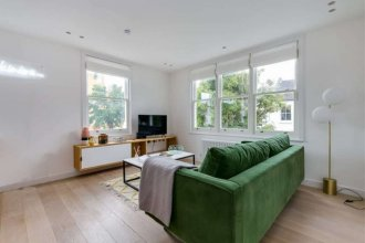 The Imperial Wharf Retreat - Modern 3bdr in Fulham With Rooftop Terrace