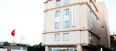Holiday Inn Express Istanbul Altunizade, an IHG Hotel