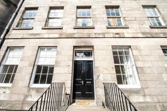Morrison Street 3bed Apt: Close to the Castle