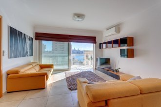 Fabulous Apartment With Pool, Upmarket Area