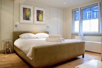 Large 2 Bedroom Flat in Ladbroke Grove With Garden