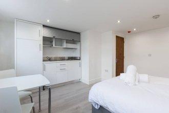 Studio Apartment By Burgess Park