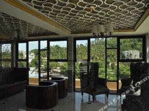 Six Avenue 204 Phuket