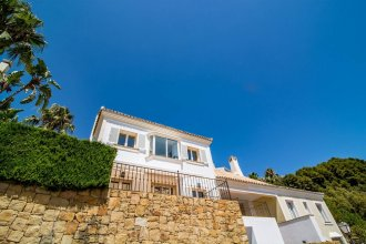 SBCC 2 bedroom villa with breathtaking views Roomservice