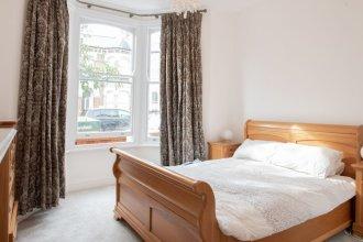 Elegant 2 Bedroom Garden Flat In East Dulwich