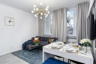 Enghien IV in Paris with 1 bedrooms and 1 bathrooms