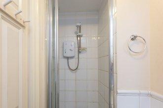 3 Bedroom Flat Near Canary Wharf