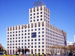 Отель Catalonia Barcelona Plaza