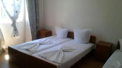Violetta Guest House