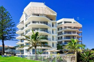 Oceanside Resort - Absolute Beachfront Apartments Gold Coast