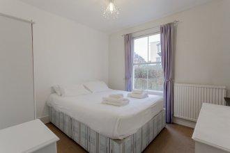Lovely, Bright 3 Bed with Large Bedrooms