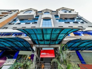 OYO Flagship 27068 The Sapphire Comfort Hotel