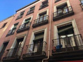 Cozy 2 Bedroom Apartment in Conde Duque