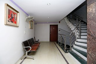 OYO Rooms 760 Karol Bagh Metro Station