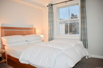 1 Bedroom Central Flat