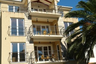 Franeta Two-bedroom Apartment, 2nd Floor, Street View, No.7