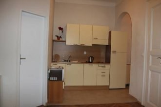 Benatska Apartment