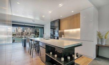 QV Modern Waterfront Apartment - 857