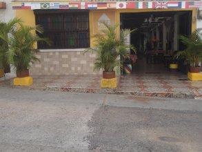 Hostal Casa Amarilla - Hostel