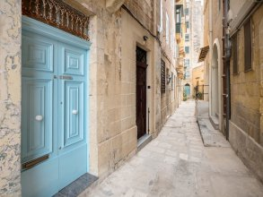 Valletta Holiday Old Theatre Lane