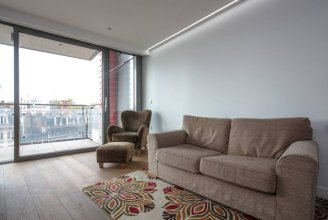 Modern 1 Bed in the Perfect Location- Very Central