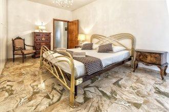 Einaudi Apartment