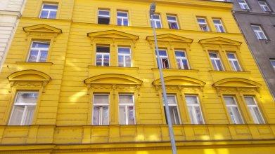 Apartment Zarra