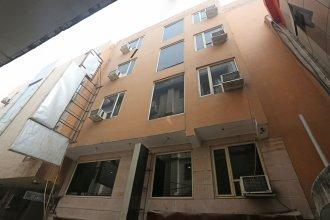 OYO 10048 Hotel Aditya Inn