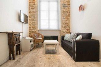 Guestready - Modern Duplex for 3 People in the Heart of Lyon!