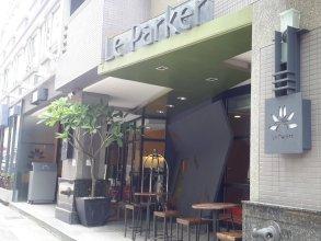 Le Parker Hotel