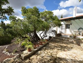 Secluded Villa in Bordeira With a Private Swimming Pool