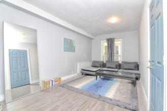 1 Bedroom Loft Style Apartment in Leslieville