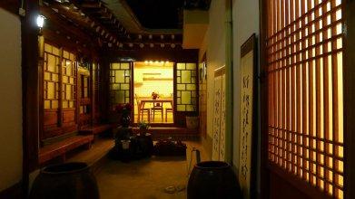 Hanok Guest House 202