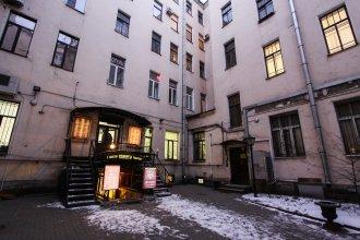 Samsonov hotel on Nevsky 23