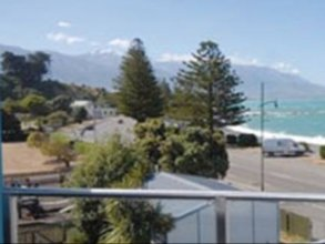 Waves by Kaikoura Holiday Home