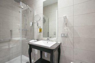 Legazpi Doce Rooms & Suites