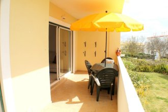 Apartment With 2 Bedrooms in Albufeira, With Shared Pool, Enclosed Garden and Wifi - 5 km From the Beach