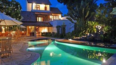 Hibiscus Beach Hotel And Villas