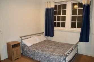 Cosy 2 Bedroom Flat off the Royal Mile