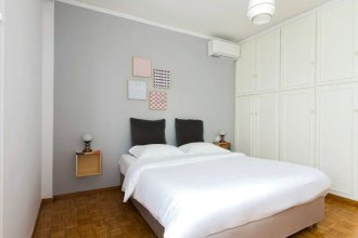 Vintage Style 2 Bedroom Apartment