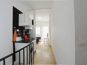 Estudio/Duplex en bajos y pequeño patio int en Puerta del Angel AZBC2