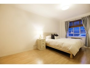 Bright and Spacious Flat in London - Sleeps 4