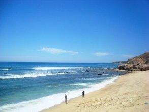 Beachfront Las Olas 2bdr Condo