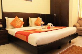 OYO 1208 Hotel Aman Palace