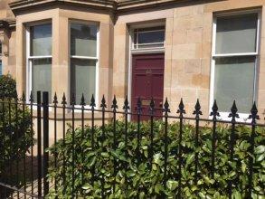 South Edinburgh 3 Bedroom Apartment With Garden